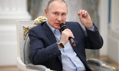 Путин потребовал увеличить доходы россиян