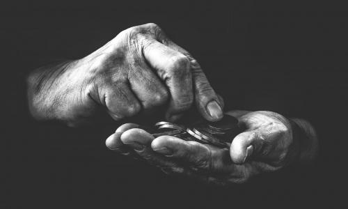 В ГД внесли проект закона о снижении пенсионного возраста