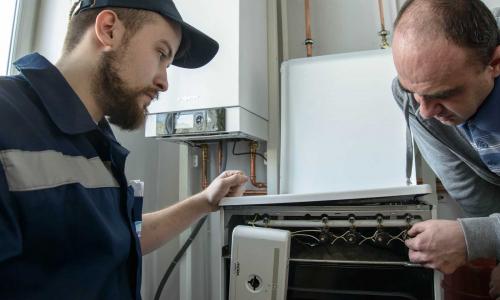 Газовики стучатся в дверь. Основные правила общения с ними