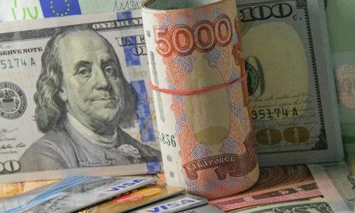 Россиян предупредили о долларе по 100 рублей к Новому году