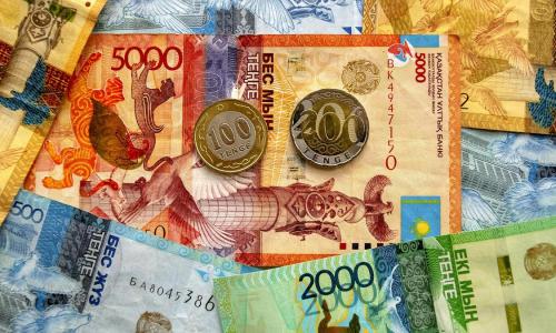 Кто может получать одновременно две выплаты по потере кормильца в Казахстане