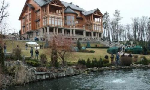 Дома президентов Украины: шик, роскошь и фруктовые сады